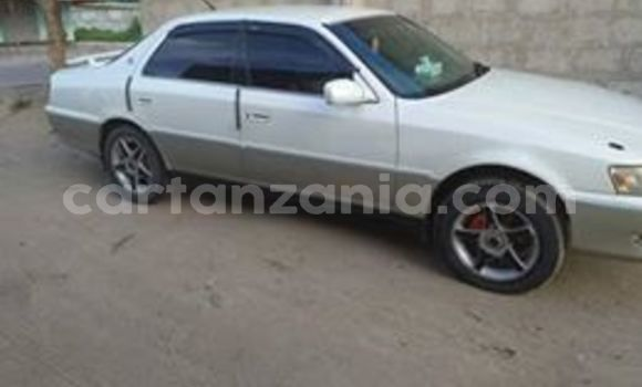 Buy Used Toyota Cresta White Car in Dar es Salaam in Dar es Salaam
