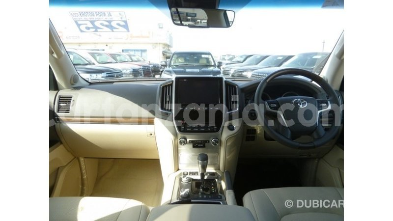 Nunua Imported Toyota Land Cruiser Nyeusi Gari Ndani Ya Import