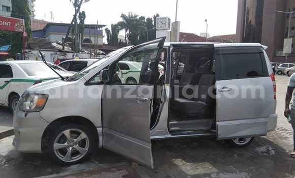 Buy Used Toyota Noah Silver Car in Karatu in Arusha