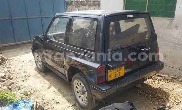 Buy Used Suzuki Escudo Black Car in Karatu in Arusha