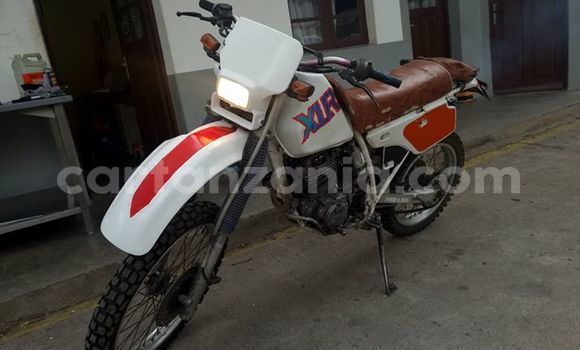 Buy Used Honda XLR White Moto in Mbeya in Mbeya