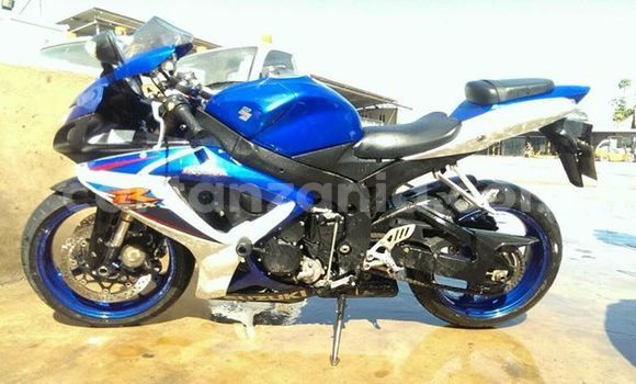 Buy Used Suzuki GSXR Blue Bike in Dar es Salaam in Dar es Salaam