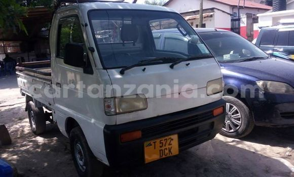 Buy Used Suzuki Carry White Truck in Dar es Salaam in Dar es Salaam