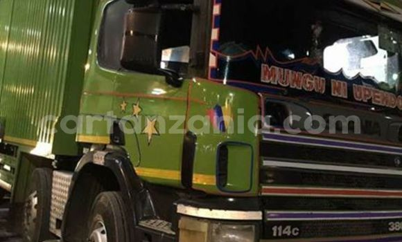 Buy Used Scania 380 Green Truck in Dar es Salaam in Dar es Salaam