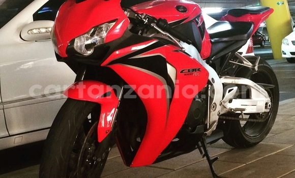 Buy Used Honda CBR 1000 RR Red Bike in Dar es Salaam in Dar es Salaam