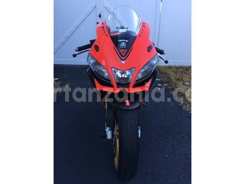 Big with watermark 2012 aprilia rsv4 factory..003