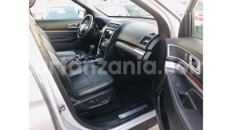 Big with watermark ford explorer arusha import dubai 10006