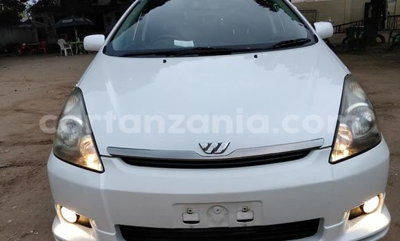 Buy Used Toyota Wish White Car in Dar es Salaam in Dar es Salaam